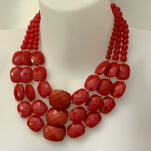 Red acrylic beads statement necklace new